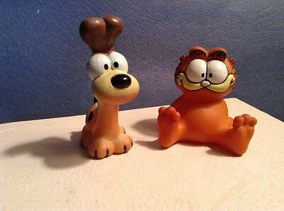 Garfield 1981 and Odie 1978-1983 toy collectible