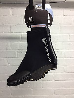 endura MT500 waterproof overshoes for mtb commuter cyclist.
