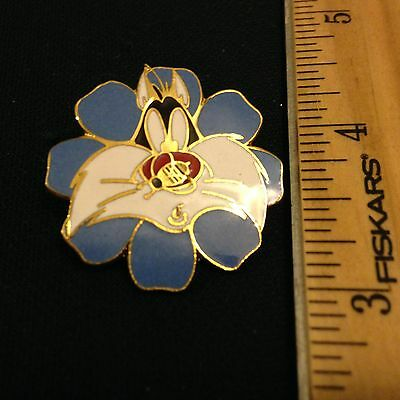 Slyvester the cat Bee in a flower Enamel Pin