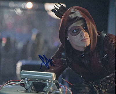 Colton Haynes SIGNED photo - Arrow - GM26
