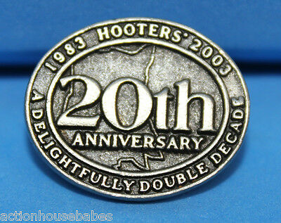 HOOTERS 20th ANNIVERSARY 1983 2003 A DELIGHTFULLY DOUBLE DECADE LAPEL PIN