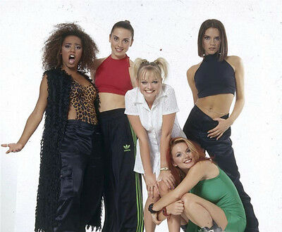 The Spaice Girls UNSIGNED photo - H5780 -  Mel B, Mel C, Emma, Geri and Victoria