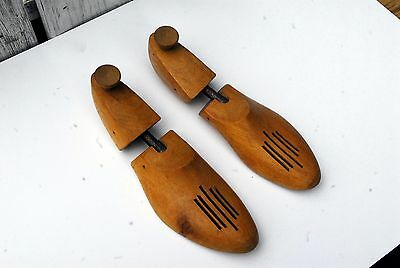 Vintage Pair Rochester Tree Shoe Co. Shoe Tree Size M Full Foot Vented Wood