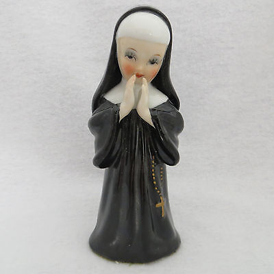 "Religious Nun Sister Praying Figurine Statue 5.5"" Vintage Ceramic Collectible"