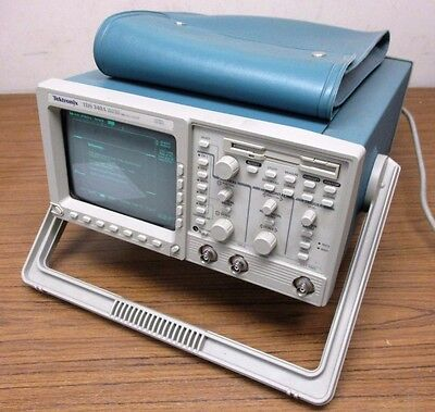Tektronix TDS340A 100MHz 500MS/Sec Digital Real Time Oscilloscope
