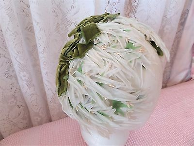 Vintage 1950s White Floral Flower Hat Green Velvet Ribbon Fascinator Easter