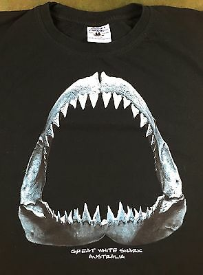 True Vintage 90s Great White Shark Jaw Skeleton Teeth Australia Graphic T-Shirt