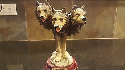 """Classic Wildlife Collection Three Wolf Heads Statue, 8"""" tall"""