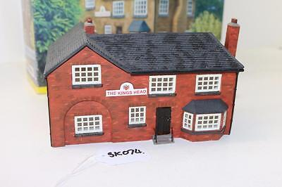 OO 1:76 Hornby Skaledale The Kings Head Hotel R8505 Used FNQHobbys SK074