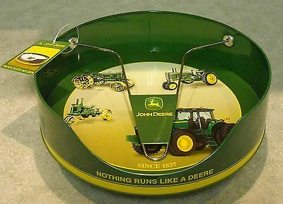 1 New John Deere Paper Plate Holder - Tin - Green