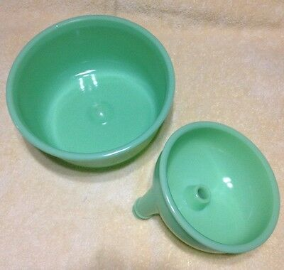 FITZGERALD MAGIC MAID MIXER GREEN GLASS JADITE MIXING BOWL & Other Attachments