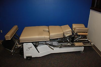 Zenith III 220 Hylo Chiropractor Table Pelvic Drop Foot and Power Front Switch