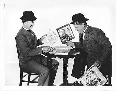 Laurel And Hardy Publicity Shot/8X10 Photo From Original Neg. Cc19149  3-307