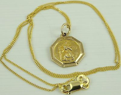 Solid 9ct gold religious medal pendant and 17.5 inch 9ct chain 2.6 grams