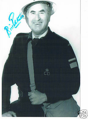 Bill Pertwee Actor - Hodges Dads Army Hand Signed Photograph  6 x 4