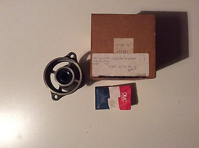 NEW OEM OMC Johnson Evinrude Propeller Shaft Bearing Housing & Seal 437774