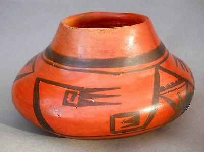 NAMPEYO of Hano - BLACK ON RED SEED JAR - Circa 1905 Vintage Hopi-Tewa Pottery