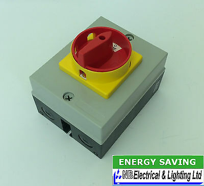 32 Amp 4 Pole Rotary Isolator Sqitch Ip65 7.5Kw 32 Amp To Clear (Ri17)