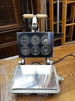 commercial Catholic host Eucharist Christ baking mould machine maker for Mass #2