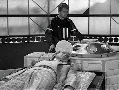 Rodney Bewes and Peter Davison UNSIGNED photo - H6358 - Doctor Who