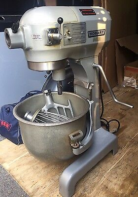 Hobart A-200 20 Quart Dough Mixer W/ Whisk, Paddle & Bowl Used Great Condition