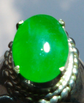 1 Burmese Jadeite Type A Green Cabochon approx 13x9x 3 mm / 3 carats UNTREATED