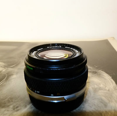 OLYMPUS ZUIKO OM AUTO-W 28mm f/2.8  Prime Lens, front/Rear Caps, great Condition