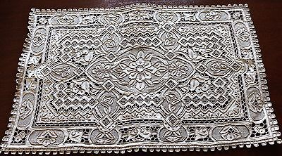 VINTAGE HEAVILY EMBROIDERED Cutwork Linen Placemat GREAT WALL pattern
