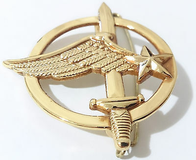 insigne de béret COMMANDO ARMÉE DE L'AIR / Commandos de l'air  FRANCE