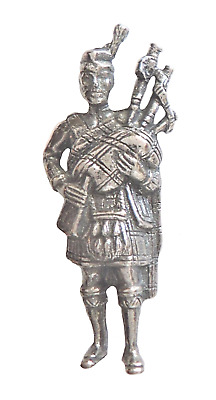 Scottish Piper Bagpipe Player Scotland Pin Badge Made in Polished English Pewter