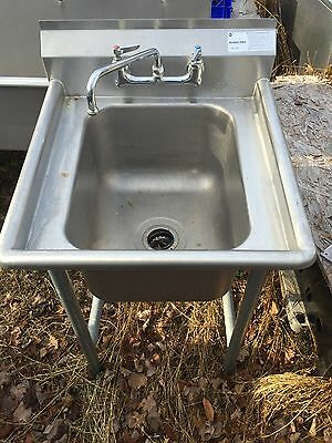 """Advance Tabco T9-1-24 One Compartment Stainless Steel Sink With Faucet 25"""""""