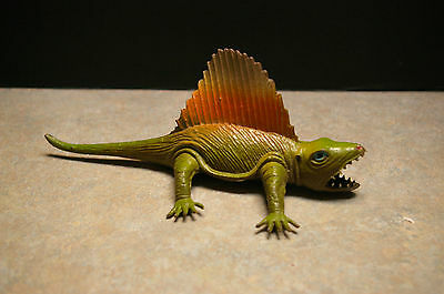 "Vintage 'made In Hong Kong' Plastic 'spinosaur' Dinosaur 8.25"" Long"