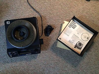 Kodak Carousel 4400 Slide Projector with Remote, Lens, Bulb, and Slide Tray