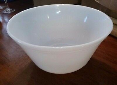 Federal 9 inch Mixing Bowl milk glass Oven Ware mid century VINTAGE