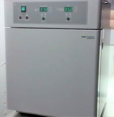 VWR Scientific 2310 Water Jacketed Mini CO2 Incubator with Digital Display