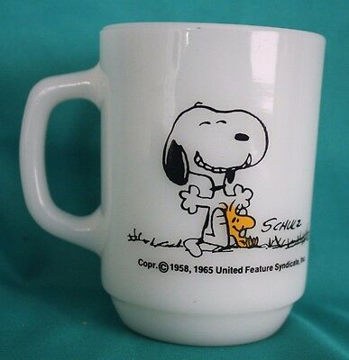 Snoopy Peanuts 1965 THIS HAS BEEN A GOOD DAY! Fire-King Mug EC