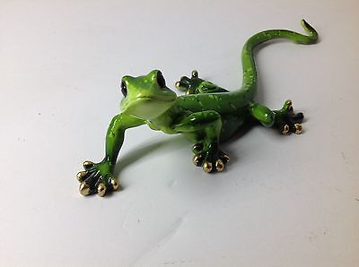 Cute 8 1/8 inch Long Green Gecko Cold Cast Ployresin Very Cute