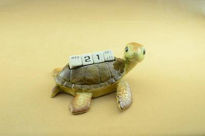 NEW TURTLE CALENDAR FIGURINE WITH 4 DICES SO NICE *Mint Condition*