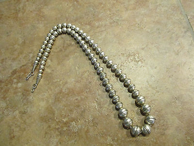 "24"" Vintage NAVAJO Graduated Sterling Silver PEARLS Bench Bead Necklace"