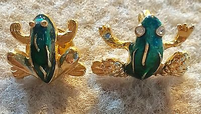 Lot of 2 Frog Pins Brooches, Animal Jewelry, Green and Gold Toned Amphiban