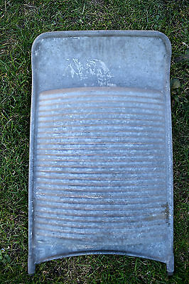 * Altes Metall Waschbrett , Wash Board , um 1945* (143-17)