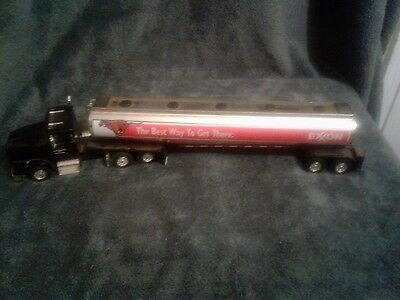 1999 EXXON DIE CAST COLLECTORS EDITION TANKER bank