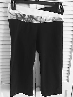 Lululemon Women Black Yoga Capri Cropped Pants Size 6