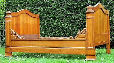 Beautiful French Small Double Sleigh or Trundle Bed with Pine Slat Base