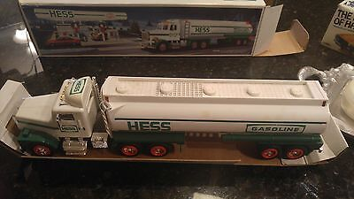 1990 HESS GASOLINE TOY TANKER TRUCK w/ SOUNDS and LIGHTS NIB
