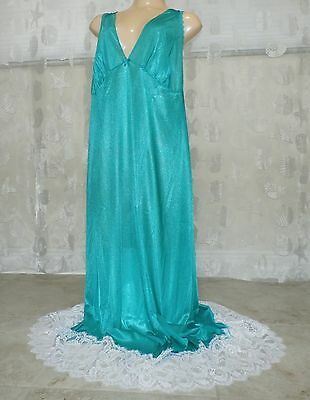 Vintage Green Lacy Extra Long Nylon Nightgown---Size--3X
