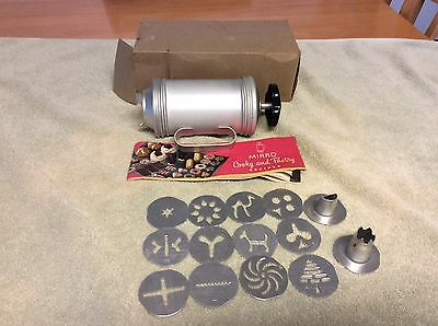Vintage MIRRO COOKY - PASTRY PRESS 12 Cookie Discs 3 Nozzles and Booklet