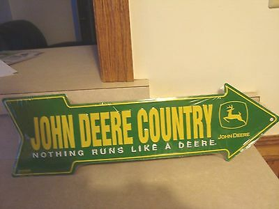 "John Deere  Country ""nothing Runs Like A Deere"" Tin Arrow Sign  20X6"