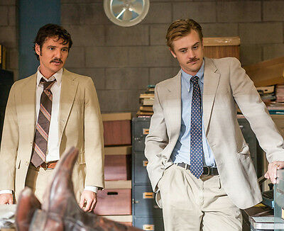 Pedro Pascal and Boyd Holbrook UNSIGNED photo - H7284 - Narcos