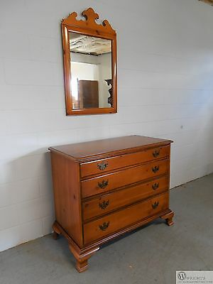DREXEL Chippendale Style Essex 4 Drawer Chest with Matching Mirror